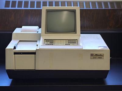 UV-Vis Spectrophotometer, Shimadzu UV-160
